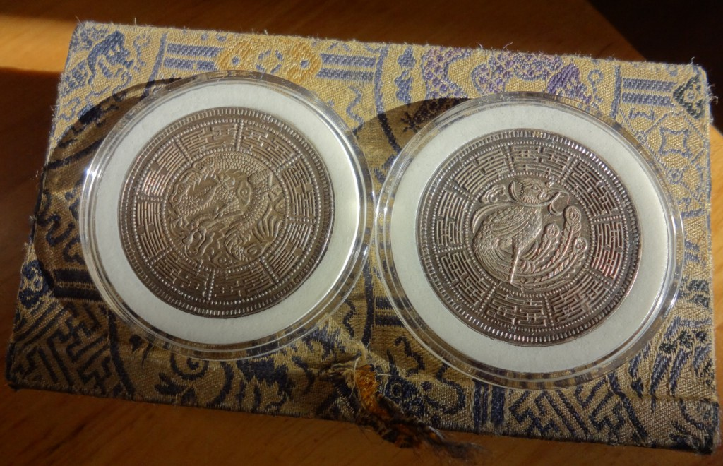A set of mysterious fantasy dollars: 『光绪大婚纪念章』